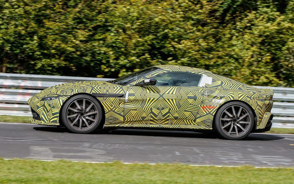 Vantage, le dernier modele d'Aston Martin-1