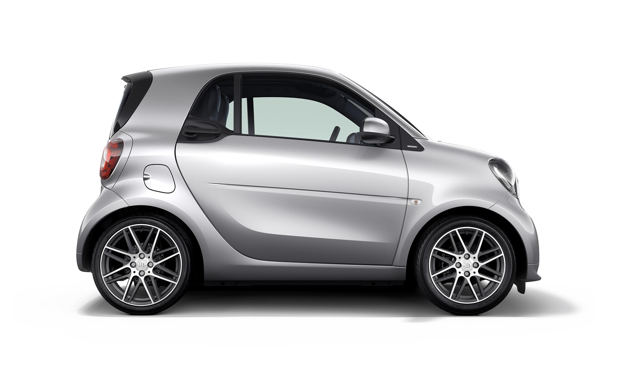 La dernière voiture parisienne de D'Ormesson : une Smart grise !