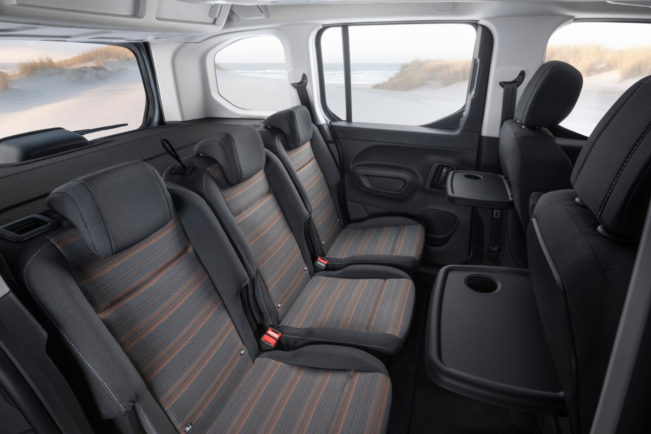 le nouveau opel combo life 2018 sur les terrains de la citro n berlingo. Black Bedroom Furniture Sets. Home Design Ideas